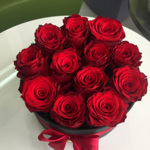 Passion red roses in box limassol