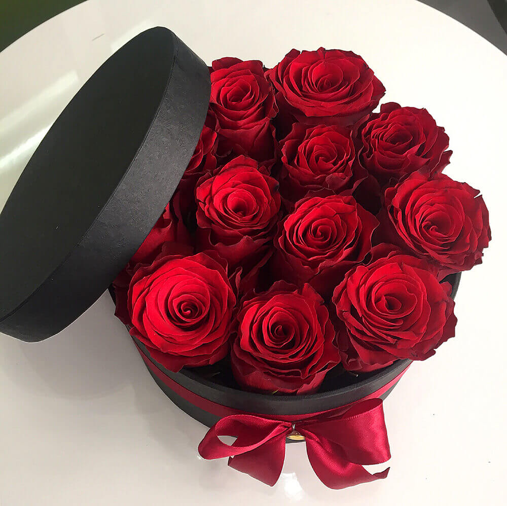 Passion red roses in box cyprus