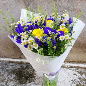 Summer iris & narcissus bouquet