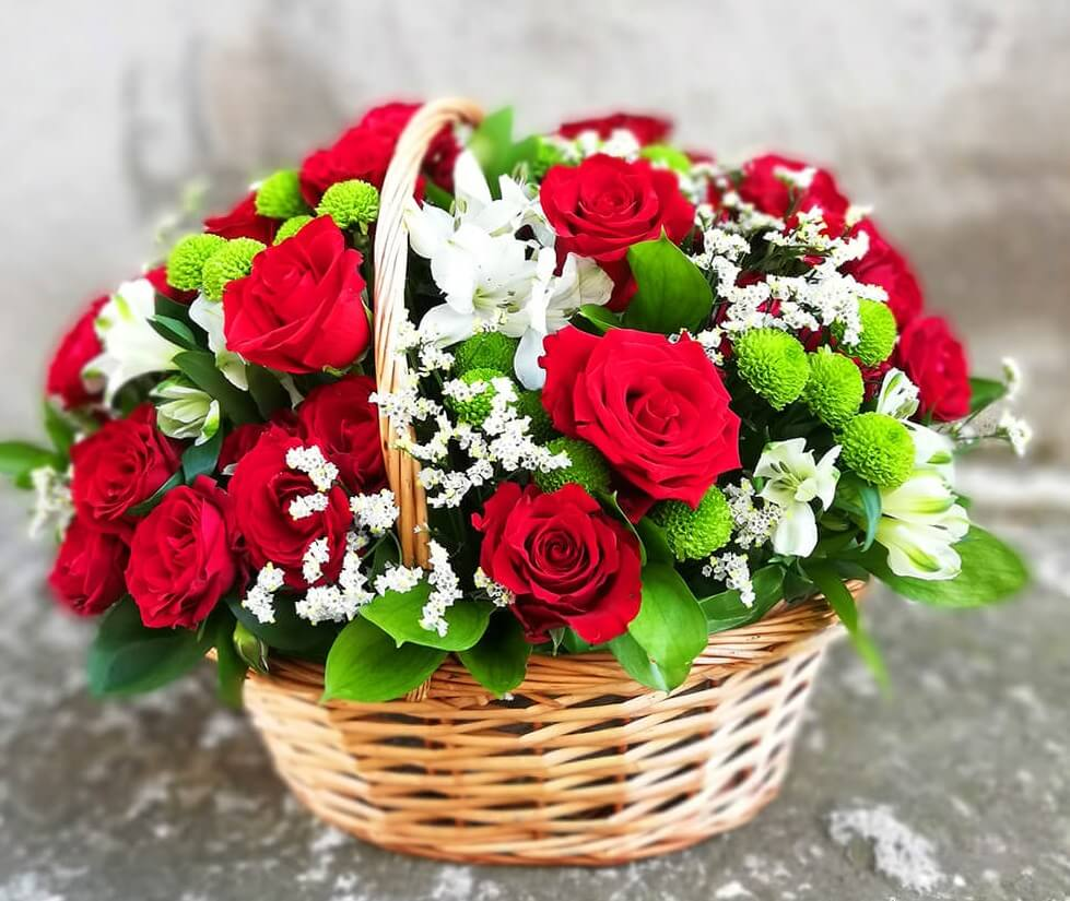 Basket with roses and alstromerias