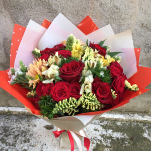 Mix bouquet of roses and alstroemeria