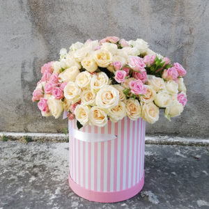 Luxurious large box with a fluffy bush rose hat