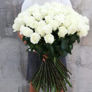 51 White rose in a bouquet
